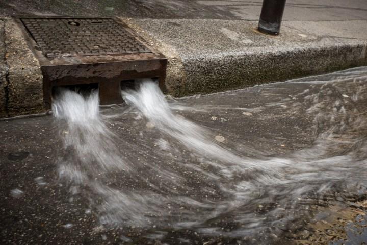 Running water in Paris
