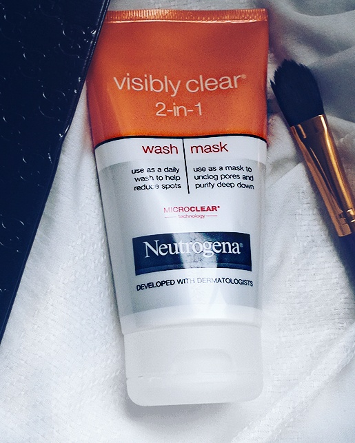 NEUTROGENA VISIBLY CLEAR 2-in-1 FACE WASH & MASK REVIEW