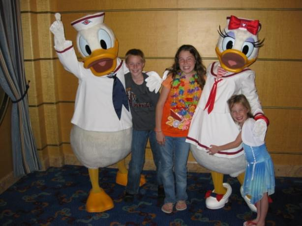 Daisy & Donald 2009 DCL
