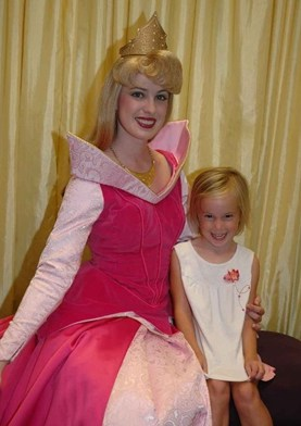 Aurora (Sleeping Beauty)  at Toontown in Magic Kingdom 2008