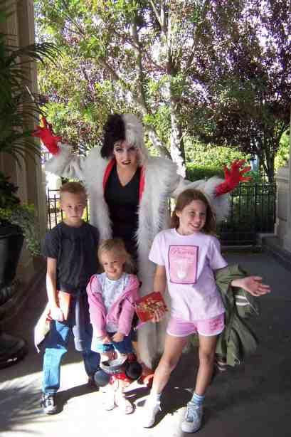 Cruella at Disneyland 2007