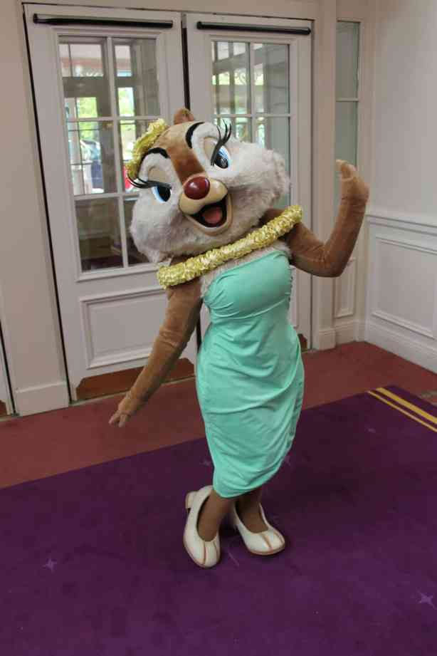 Clarice doing a set at the Disneyland Hotel, she can be found from time to time at the Parks and hotel