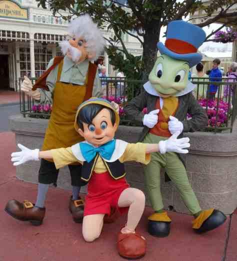 Gepetto Pinocchio Jiminy (2)