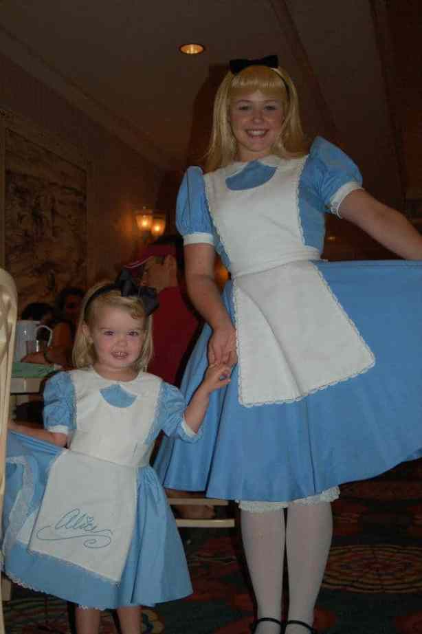 Little Avery meets her favorite character Alice!
