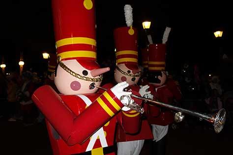 mickey christmas parade magic kingdom disney world