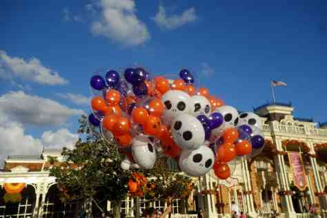 Special Halloween Party balloons