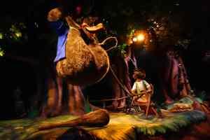 Splash Mountain Magic Kingdom Walt Disney World Kenny the Pirate (2)