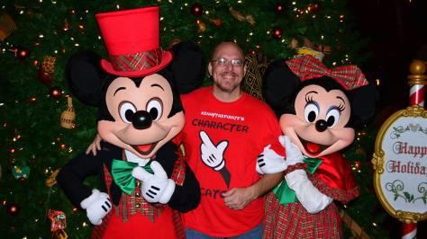 Walt Disney World Animal Kingdom Lodge Jambo House Christmas Characters Mickey and Minnie