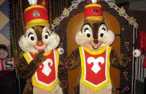Walt Disney World, Contemporary Resort, Christmas Characters, Chip n Dale, Band Members