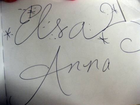 22 Anna and Elsa meet (2)