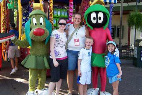 Marvin Martian and K-9 Six Flags Texas 2007