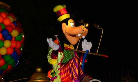 Mickey's Not So Scary Halloween Party 2014 Boo to You Halloween Parade Goofy