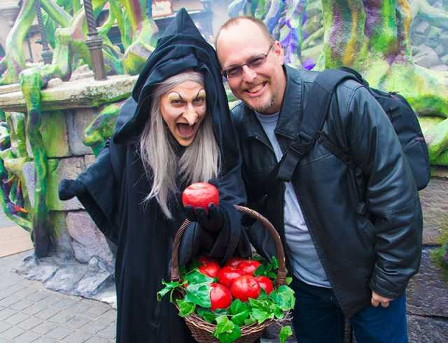 Old Hag from Snow White at Disneyland Paris