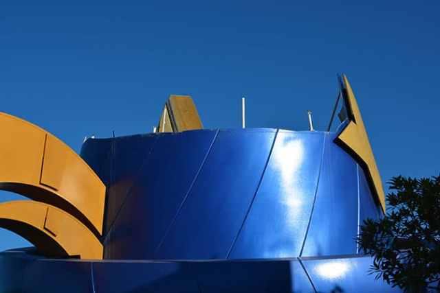 Hollywood Studios Walt Disney World Sorcerer Hat removal (2)