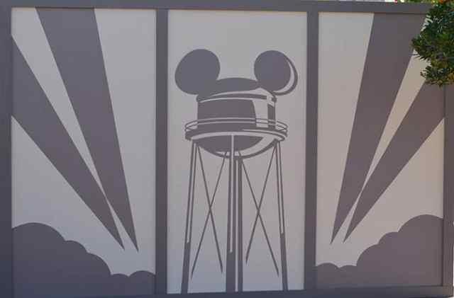 Hollywood Studios Walt Disney World Sorcerer Hat removal (3)