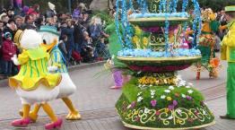 Disneyland Paris Swing into Spring Donald and Daisy