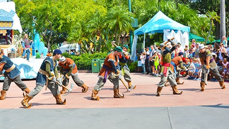 How to experience the Frozen Royal Welcome at Disney's Hollywood Studios #frozenfun #coolestsummerever Ice Breakers