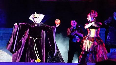 Hocus Pocus Villain Spelltacular at Mickey's Not So Scary Halloween Party 2015 (19)