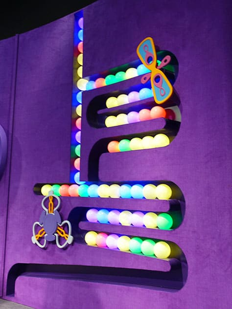 How to meet Joy and Sadness from Inside Out at Epcot in Disney World (11)