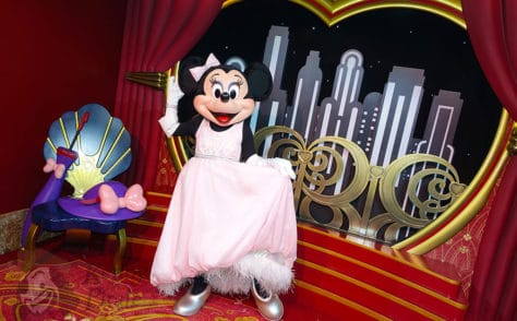 Mickey Mouse and Minnie Mouse in Red Carpet Dreams at Hollywood Studios in Walt Disney World (15)