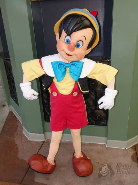 Hollywood Studios Pinocchio character meet and greet (2)