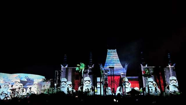 Star Wars A Galactic Spectacular Fireworks Dessert Party at Hollywood Studios in Walt Disney World (73)