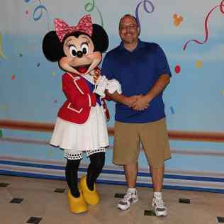 Minnie Mouse Cruise Wear Disney Fantasy KennythePirate