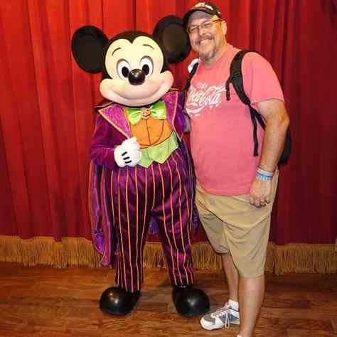 mickey-mouse-at-mickeys-not-so-scary-halloween-party-with-kennythepirate