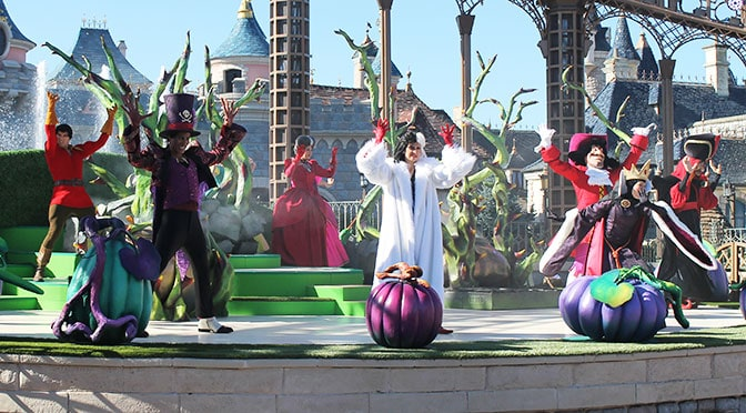 Worldwide Wednesday:  Halloween Time trip report including Cheshire Cat Meet and Greet!