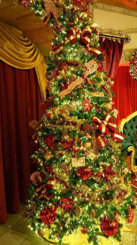 How to meet Santa Claus at Disney's Hollywood Studios