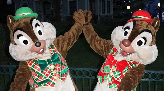 Worldwide Wednesday: Chip n Dale Christmas costumes Disneyland Paris