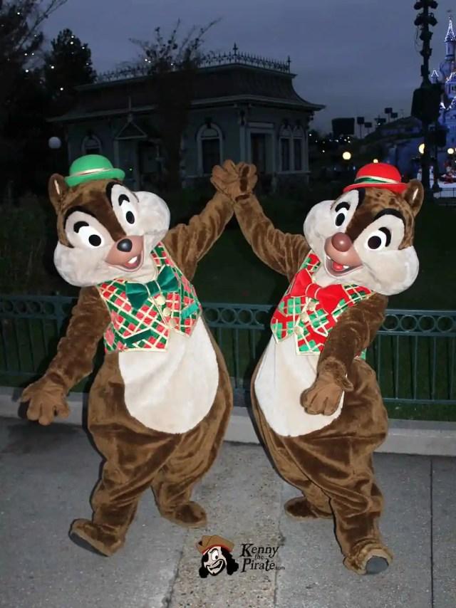 Chip n Dale Christmas Disneyland Paris Character Meet
