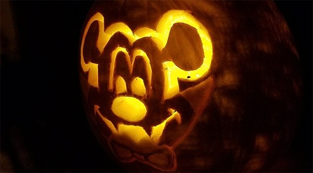 How we created our Vampire Mickey Pumpkin Jack-o-lantern