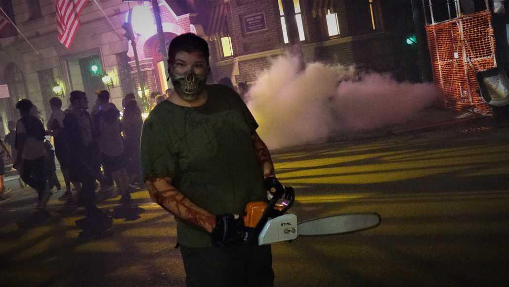 Black Car Orlando >> Universal Orlando Halloween Horror Nights Scare Zones