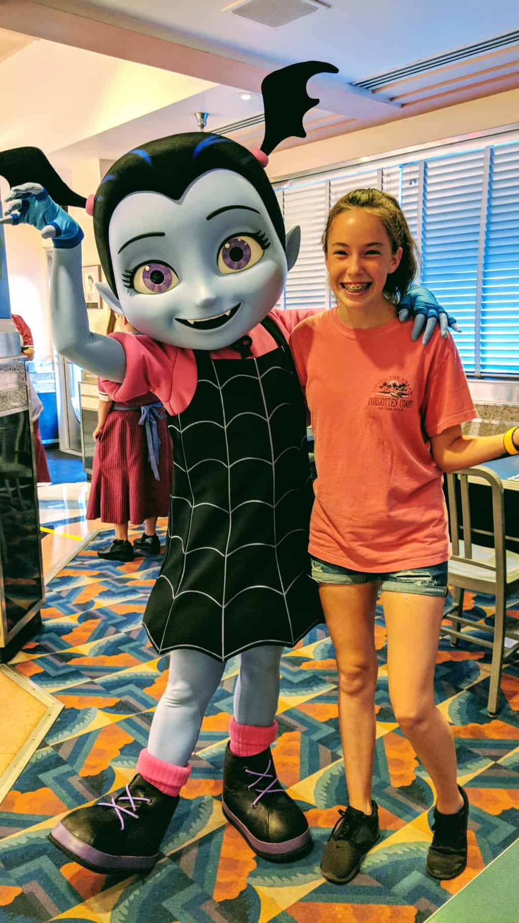 Review hollywood and vine disney junior play n dine breakfast with i will update character locator when she begins offering regular meet and greets in the animation courtyard m4hsunfo
