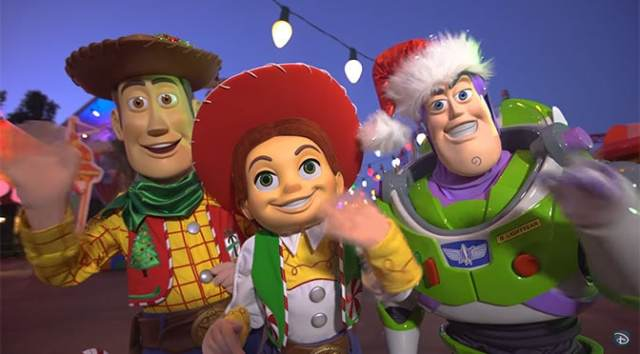 Toy Story Characters will have Christmas costumes in Toy Story Land