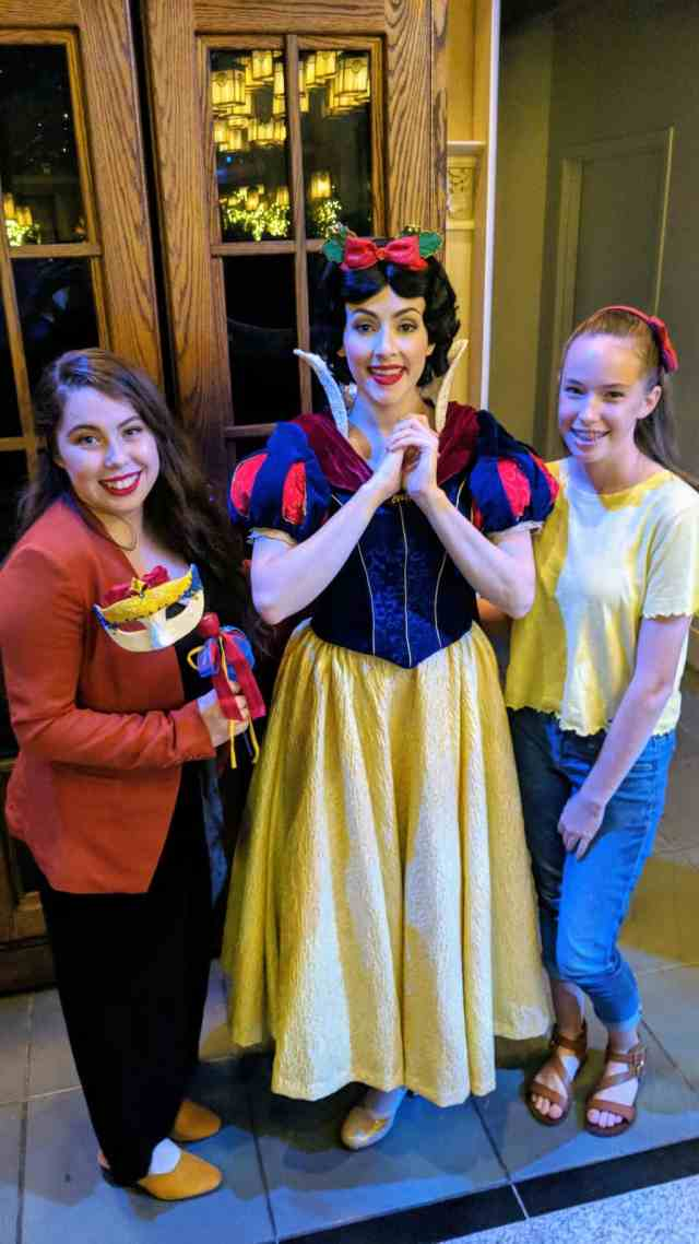 Snow White at Artist Point Storybook Dining at Disney's Wilderness Lodge