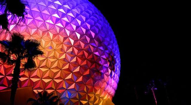 My Experience at EPCOT on Christmas Day!