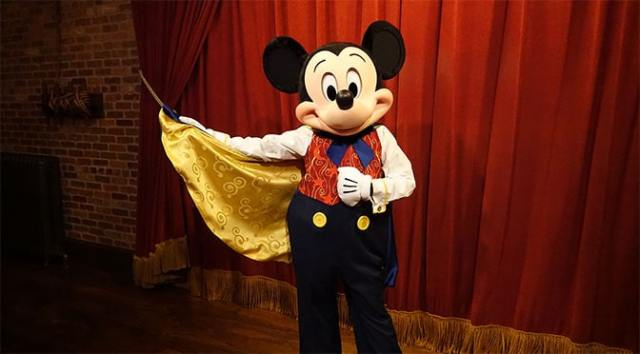 Live Photopass Photographers return to the Mickey Mouse meet in the Magic Kingdom