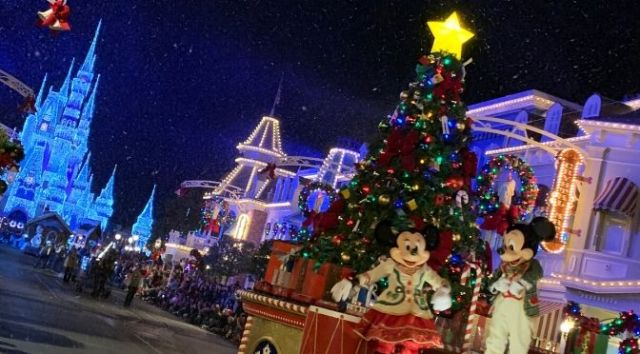 Magic Kingdom Christmas Entertainment Available to all Guests Next Week