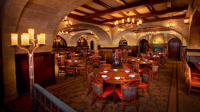 Le Cellier dining