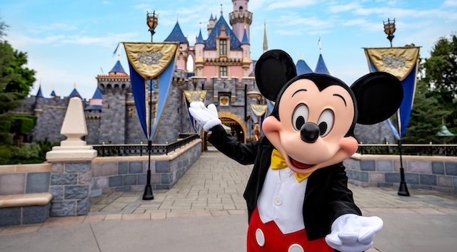 Disneyland Utilizes Shopping Reservations for Select Merchandise