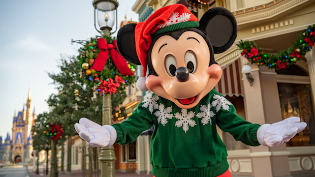Disney Releases Park Hours for the Week of Christmas!