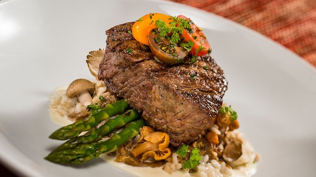 Dining Review: Le Cellier Steakhouse in the World Showcase