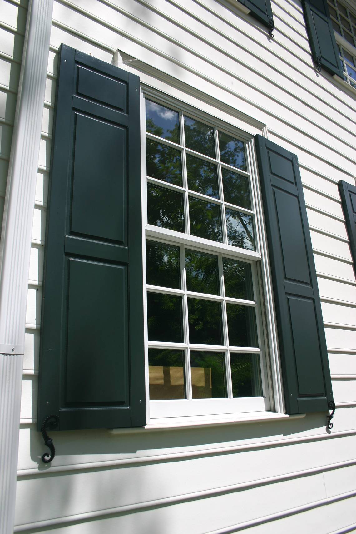 Shutters Should Improve House S Appearance Not Detract From