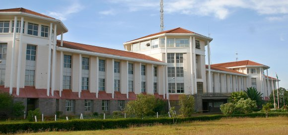 Breaking: Moi University closed indefinitely, students ordered to vacate