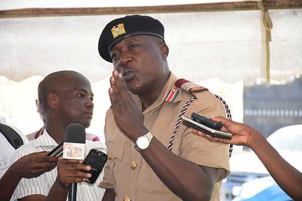 Current Marsabit County Commissioner Evans Achoki addresses residents of Junda during a security baraza at Kadzonzo grounds on November 28, 2018.