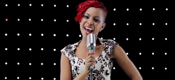 Size 8 – Lift My Hands