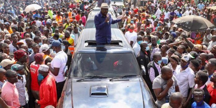 Youth Block Raila's Motorcade [VIDEO]