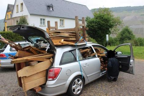 Overloading a car poses a huge risk for the driver.